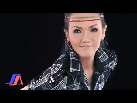 Tuty Wibowo - Hidup Diantara Dua Cinta (Official Lyric Video)