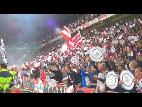 PSV Support: Sfeercompilatie Oost-tribune : PSV - SC Heerenveen : 18/4/2015 : Kampioen
