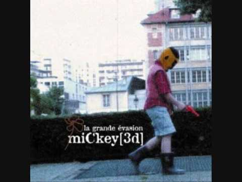 Mickey3d - La footballeuse de Sherbrooke