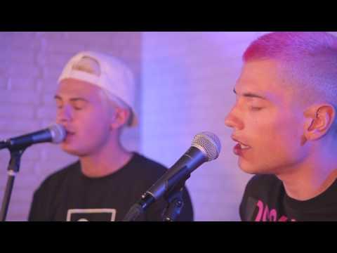 Benji & Fede - Eres mía (Warner Music Café)