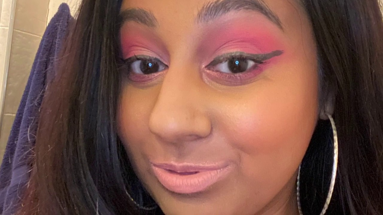 How to do a Bright Pink EyeShadow Look