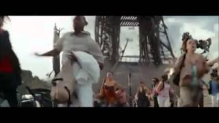 Эйфелева башня упала! Смотреть всем!