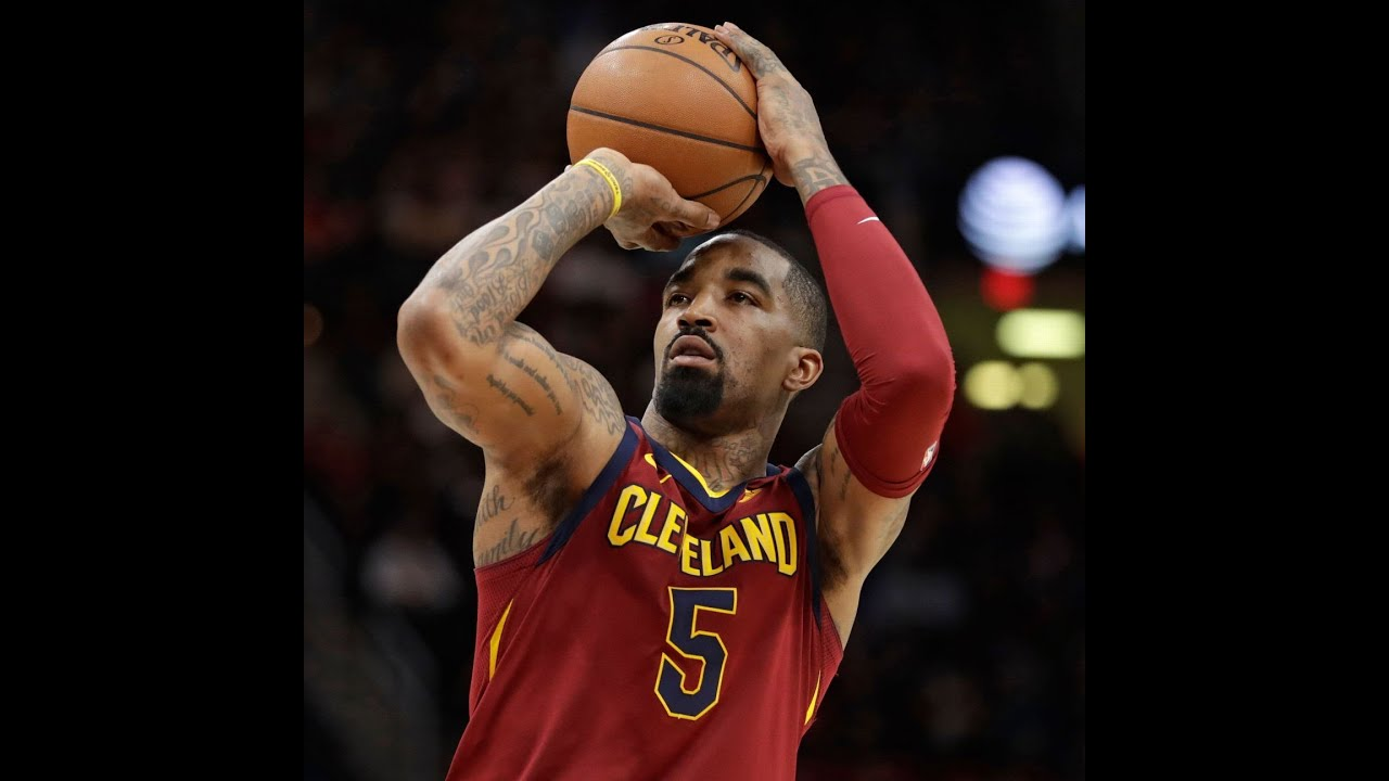 Lakers Eye Jr Smith As Top Candidate To Replace Avery