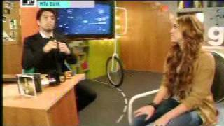 Miley Cyrus en Mtv Güik - Part 2