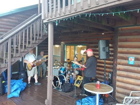 Arcadian Moon Winery, Higginsville, Mo, May 27, 2017 w/ The Good Sam Club Band