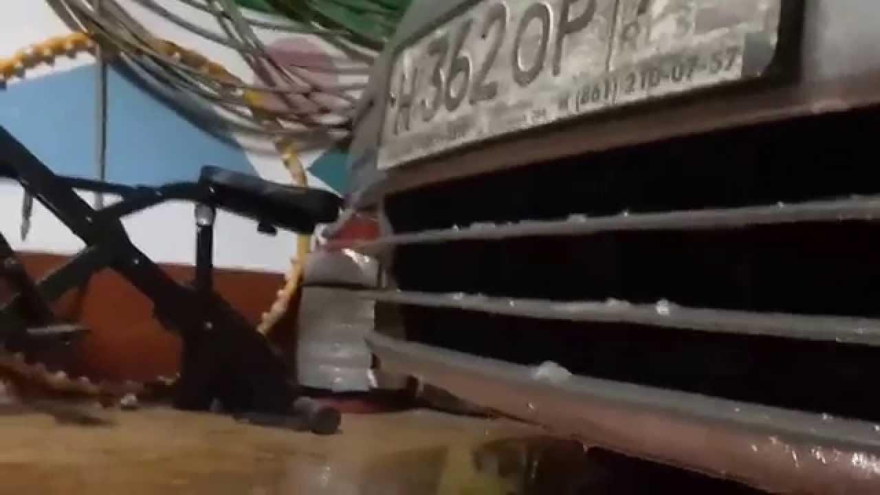 Снятие переднего бампера Wolksvagen Caddy WV