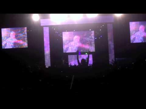 Dash Berlin featuring Emma Hewitt - Waiting - en vivo Six Flags México DF 06-05-2012
