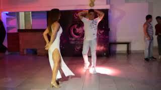 Hot Dance | Aventura — Tu Jueguito (Axel y Maria)