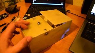 """Мой первый """"робот"""" на Arduino(бесполезная коробка)."""