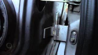 Устраняем люфт  водительской двери)(, 2015-08-12T18:16:54.000Z)