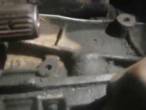 снятие стартера на рено лагуна1 1.8 16 кл