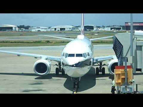 Qantas Brisbane to Sydney B737-800 Economy Class