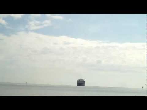 Mobile Bay passing a cargo ship 2012.MOV