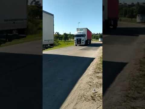 Levantan el corte de camiones en el Túnel