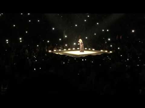 Adele Barcelona - Hello