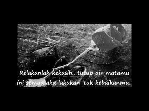 Cinta Tak Direstui - ST 12 (Lirik)