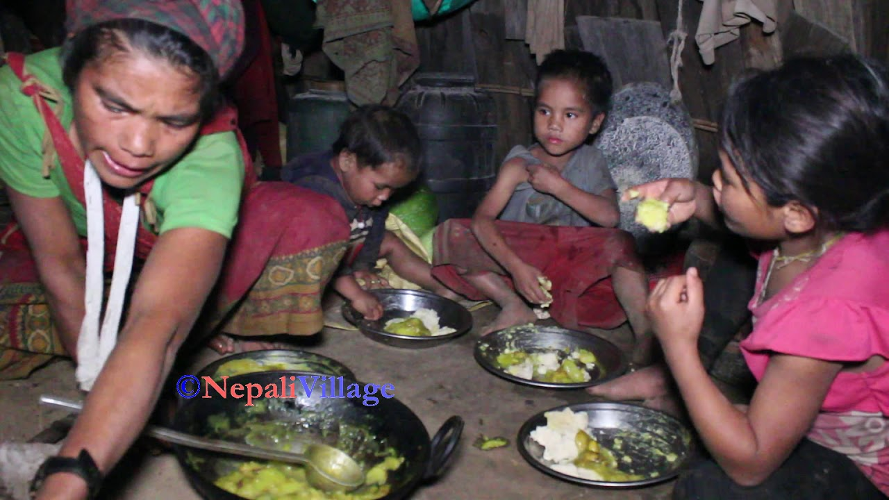 Cooking delicious village food and group eating by joint family ll Village Primitive life