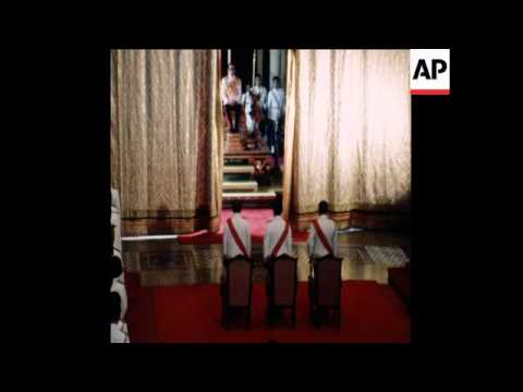SYND 28 11 76 KING BHUMIPON OF THAILAND OPENS NEW PARLIAMENT