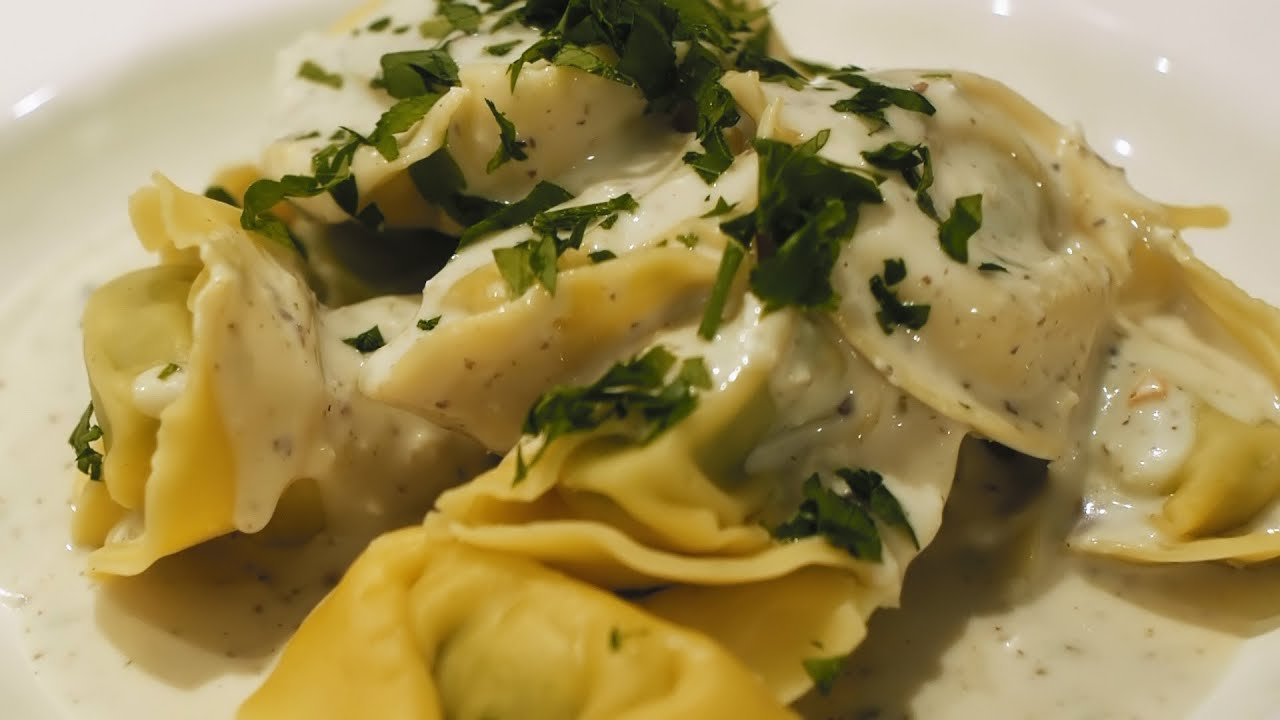 spinat ricotta tortellini mit haselnuss cognac sauce vegitv youtube. Black Bedroom Furniture Sets. Home Design Ideas