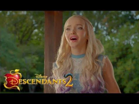 Descendants 2 - Mal And Ben Fight - CLIP