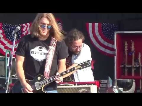 Whiskey Myers - Lonely East TX Nights (Live)