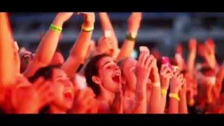 Download Video Ribuan fans menari bugil di konser MP3 3GP MP4