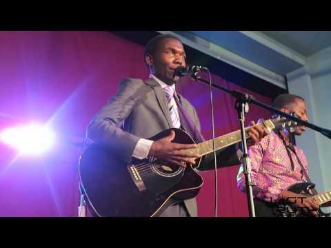 Innocent performing Rova Ngoma Mutavara by Oliver Mutukudzi |Mashoko nemaGitare 2017.