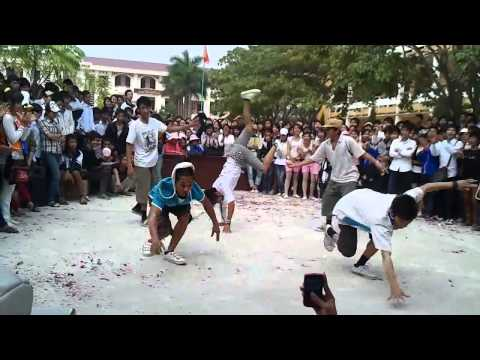 Màn nhảy hiphop đỉnh cao của học sinh Việt Nam