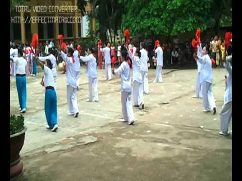 Hội người cao tuổi xã Tuyết Nghĩa múa quạt