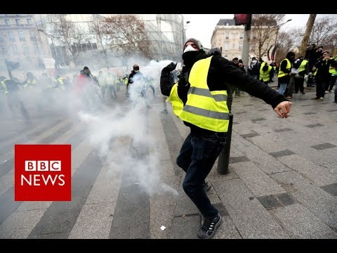 Fire, tear gas and yellow jackets - BBC News