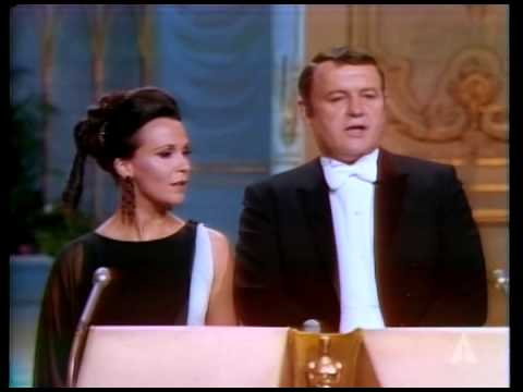 Claire Bloom and Rod Steiger presenting Writing Oscars®