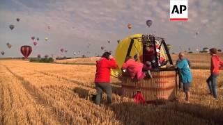EP - 27/7/14 - Moroccan represents Arab world in record hot air balloon flight