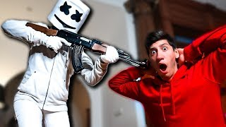 MARSHMELLO APARECE EN LA MANSION A LAS 3 AM *Fortnite en la vida real*