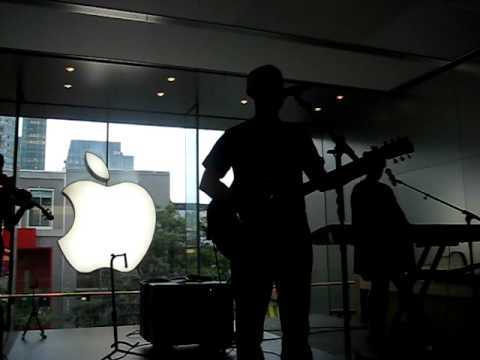 Moby Porcelain @ Apple Store In Montreal