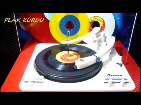 DİNLE YAVRUCUĞUM/MARC ARYAN/SÖZ: FECRİ EBCİOĞLU VİNYL 45 RPM MARC ARYAN SİNGS İN TURKİSH