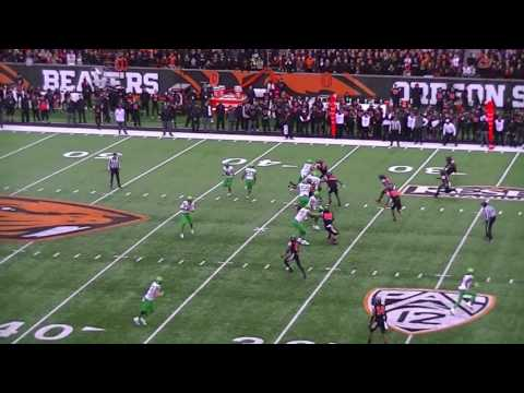 Oregon Scores a Crazy TD vs Oregon State in the 2016 Civil War