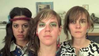 Смотреть клип Tune-Yards - Real Live Flesh