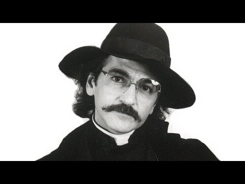 Father Guido Sarducci talks Pope Francis, Elvis & UFOs at The Vatican on Harper Simon's TALK SHOW