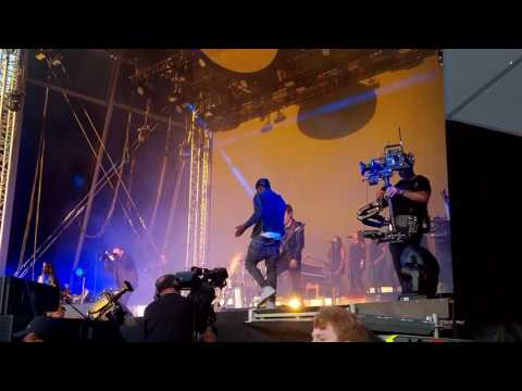 Gorillaz - Saturnz Barz ft Popcaan LIVE Demon Dayz Margate June 2017