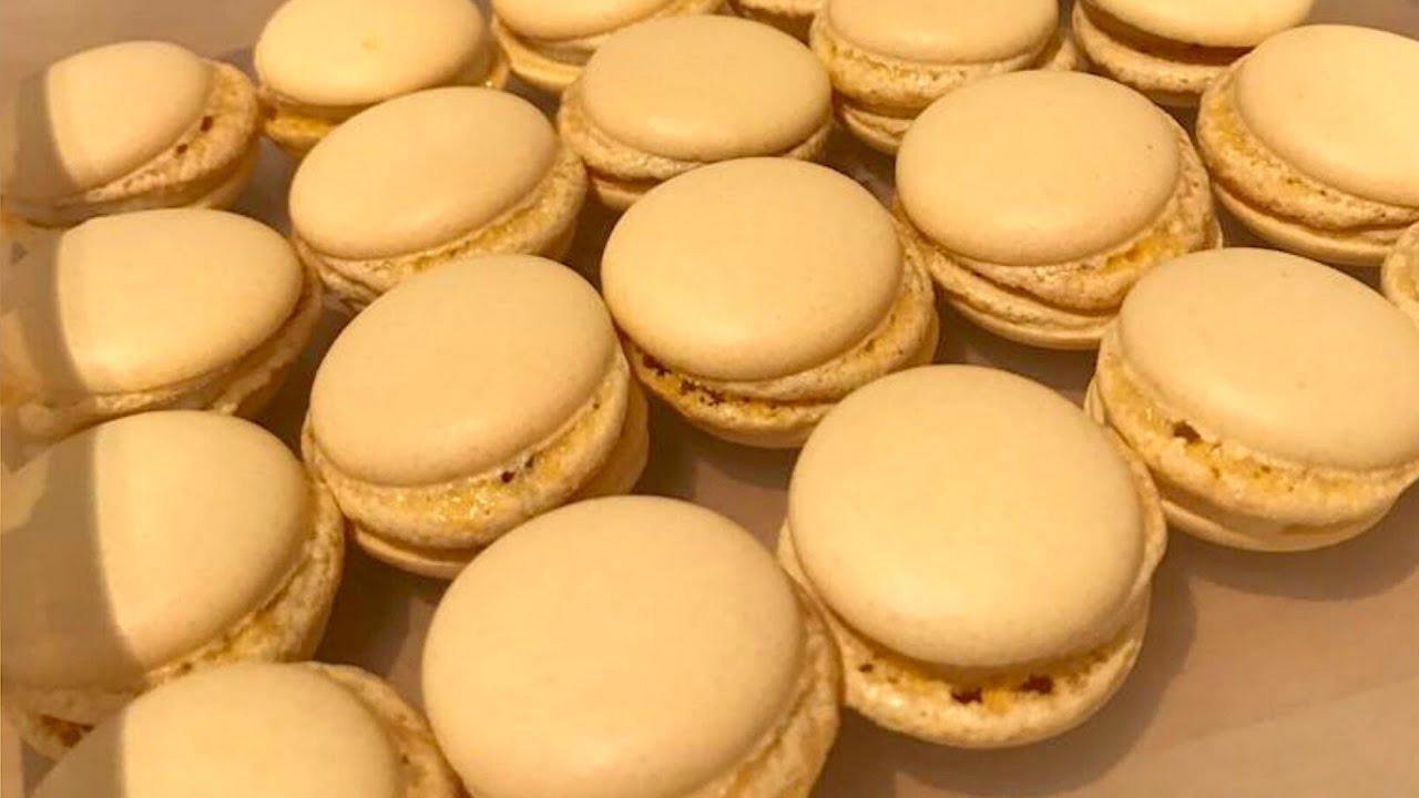 Atelier De La Cuisine Nantes recette : macarons sans œuf, au muscadet et curé nantais de sybille - les  carnets de julie - nantes