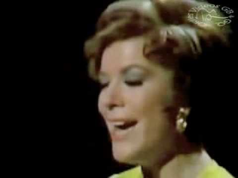 Vikki Carr - With Pen In Hand   *LIVE*