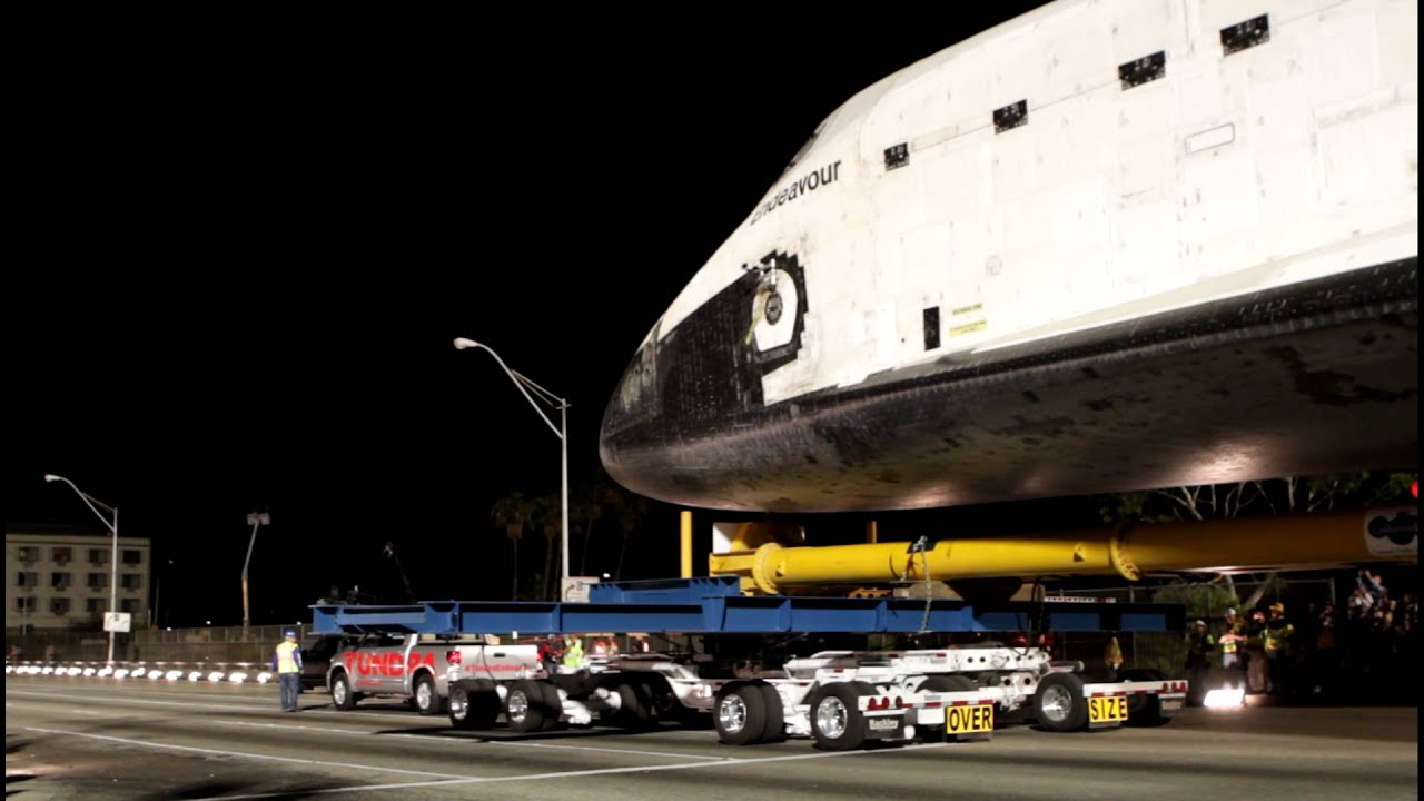 Toyota Tundra Pulls Space Shuttle Endeavour Youtube