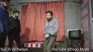 Suit si De ve Darjiya