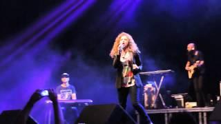 """""""Por me amar"""" - Arianne no Congresso Canta Recife, dia 18/04/2015."""