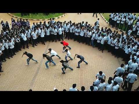UKF College of engineering Mechanical association Flash mob 2012 - TurBozz