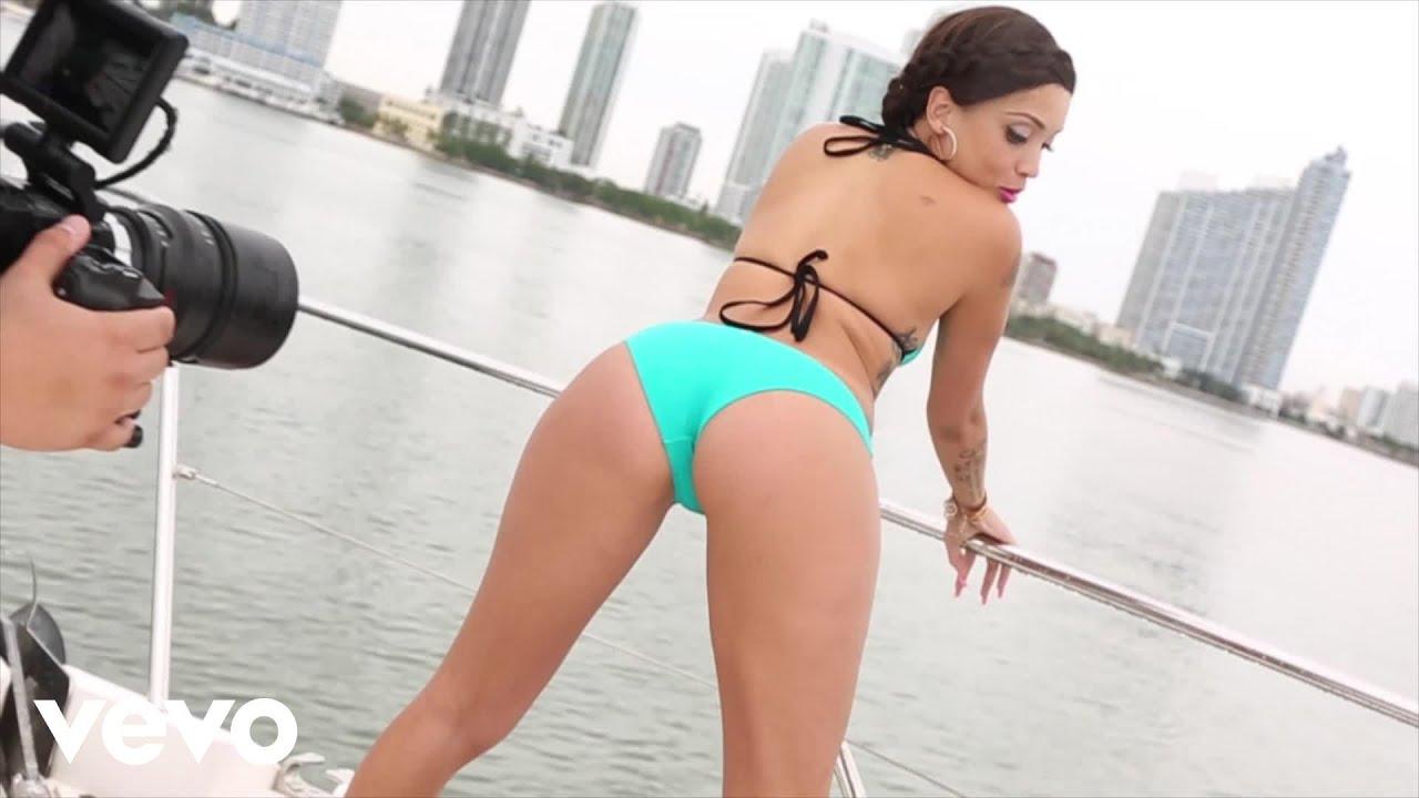 Bow porn