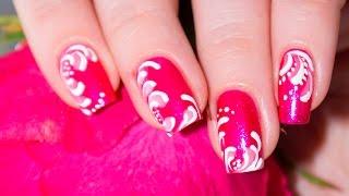 Яркий розовый маникюр с росписью