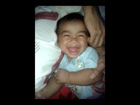 Lucu Bayi Ketawa Ngakak Saat Di Bersihkan Telinganya Youtube