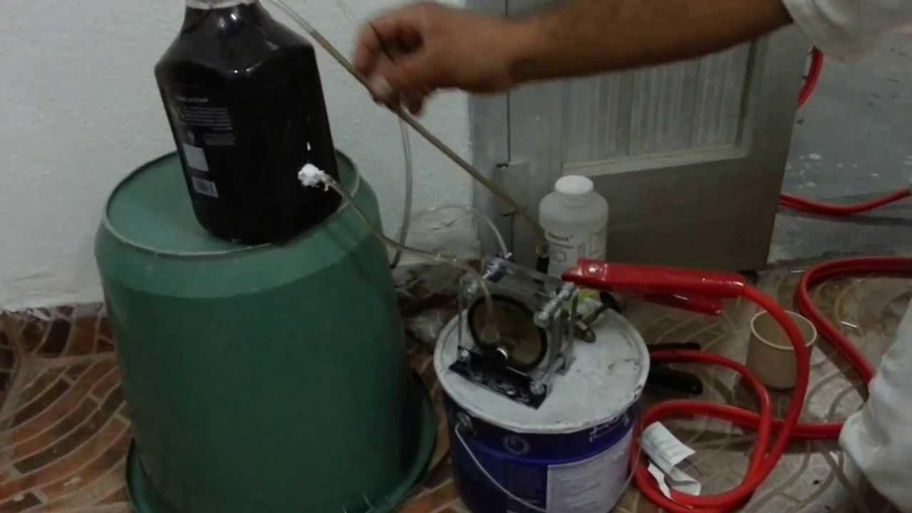 تجربة انتاج غاز الهيدروجين بكمية وفيرة من خلال تفكيك الماء H2o بالتحليل الكهربائي Youtube