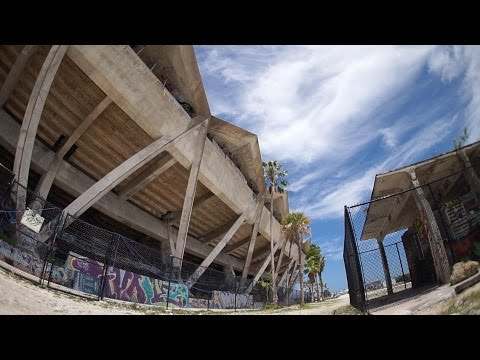 I SNUCK INTO THE BATTLEFIELD HARDLINE STADIUM (ABANDONED)